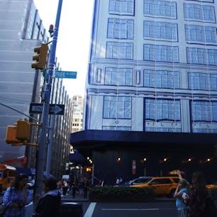 New York / Manhattan Park Avenue Midtown  工事中のビルを覆うテントに、ビルの窓などが本物っぽく描かれていて、一瞬それが絵だとは気づきません。 #newyork #manhattan