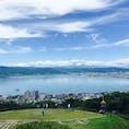 長野県、諏訪湖。 道を走っていると突然街の中から現れる感覚。とても不思議でとても綺麗。