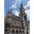 マリエンプラッツ(ドイツ)2018.7.12 ミュンヘンと言えばここ! 仕掛け時計はとても長く、多くの観光客が足を止めて見入っています。 #nofilter