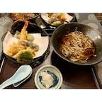 長野に来て、夕食を蕎麦処北野家本店へ。 戸隠の二八蕎麦は、美味しかったです(^^) 天麩羅もサクサク!