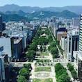 札幌 テレビ塔から大通り公園〜大倉山ジャンプ競技場を望む