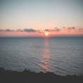 南大東島 夕日の広場。 誰もいない、何も邪魔のない水平線に沈む8月6日の夕日。