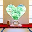 正寿院の猪目窓 京都  幸せを呼ぶハートの窓 沢山のカップルがこの窓の前に並んで、写真を撮ってます。 写真を撮ってくれるのは、次に順番待ちしてるカップル。 癒される場所です。