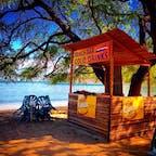 東ティモールの海が綺麗  でもワニがいるのでほとんどのビーチは泳げません。  #東ティモール #世界旅行