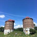 小岩井農場 1号、2号サイロ 国指定の重要文化財です 青空に映えて綺麗でした🙆