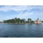 カナダ、サウザンドアイランドのボルト城。好きな人のために、島にお城を作るなんて。ドラクエの世界に入り込んだようなクルーズだった。