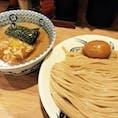 フライト前の楽しみの一つが空港での食事。成田の場合は中華蕎麦とみ田の濃厚つけ麺(半熟味玉付)がイチオシです。他にも空港おすすめグルメがあれば教えてくださいねー。 #成田空港 #つけ麺 #グルメ