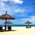 空と海の青さ、砂浜の白さ、飽きることなく時間を忘れて1日中眺めていられそうです✨✨ #ダナン