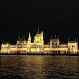 Hungary, Budapest ハンガリーの世界一美しいといわれている国会議事堂。 昼間はもちろんですが、夜の姿もまた素敵です✨