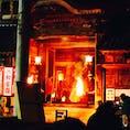 猿投神社の秋祭り 勇ましい担ぎ手の声が更に迫力を増す!暗闇の中でたいまつの灯りに照らされて、御神体ののったお神輿が登場する 神秘的