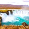 青すぎる滝  周りも大自然で、それ以外何もありません!!✨   📍Goðafoss, iceland