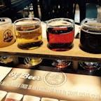 Les 3 Brasseurs というビールバー🍻 お店で作ってるビールがあって、これはそのテイスティングセット。店員さん優しくて居心地も良かったです😇