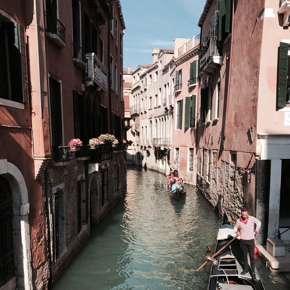 ベネチア の 水路