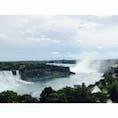 高めのところから撮ったナイアガラの滝。船で滝の近くにも行ってきましたが、水圧すごくて写真撮るどころではありませんでした🤣