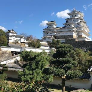 姫路城に行きました! とても晴れていて、城が白い鷺の如くそびえ立っていました!