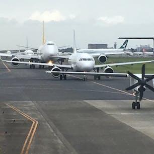 成田空港:渋滞中
