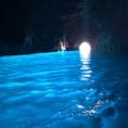 2度目のイタリアで、やっと青の洞窟に入れました! テレビや写真で見るのと同じで本当に青い…