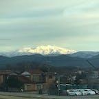 車窓の加賀温泉駅から見えた白山