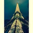 上まで登るのは結構な恐怖であります。  #エッフェル塔 #パリ #フランス