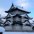 雪の中の弘前城🏯 11月末から3月末までは開城しないのがちょっと残念です。