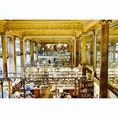 """ベルギー🇧🇪 ブリュッセル  トロピズム  """"世界で最も美しい本屋さん""""に選ばれたこともある 元ダンスホールのこの本屋さん。  幼い頃読んだ、14ひきのシリーズが 仏語版で売られていて嬉しくなりました。"""