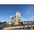 イギリスはタワーブリッジです 開閉式です