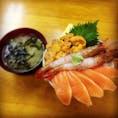 #北海道 #小樽 #滝波食堂 #海鮮丼 たっぷりの海鮮を、口いっぱいにして食べる幸せ