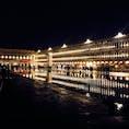 夜の広場♡ アクアアルタ(ちょっと浸水状態)なのもあって、キラキラで美しかった✨