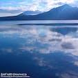 日本最北の不凍湖である支笏湖。湖畔には温泉街があり、夏は景勝地として、冬は氷濤まつりの会場として、一年中観光客で賑わっています。新千歳空港からは車で30分ほどです🚗💨