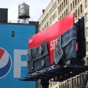 New York/SOHO  ニューヨーク・SOHOの立体的なデニムのリーバイス看板♪ #billboardnyc