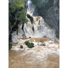 🇱🇦ラオス ルアンパバーンのプーシーの滝。。ブルーラグーンは運悪く見られず。