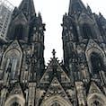 ケルンの大聖堂です。  荘厳な雰囲気と威圧感でした。