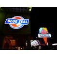 沖縄といえば〜ここでしょ! ということで、BLUE SEAL!!