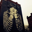 "New York/Williamsburg Brooklyn ""Mona Lisa of Williamsburg""  ニューヨーク、ウィリアムズバーグのモナリザ的存在の壁画は、Colossal Media and Steven Paulの作品。ピータールーガーステーキハウスのすぐ近くです♪ #Brooklyn #streetartnyc #newyork"