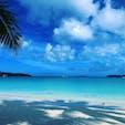 31.3.23 #ニューカレドニア #イルデパン #クトビーチ 砂の粒が細かすぎて、泥を触ってるみたいな感覚